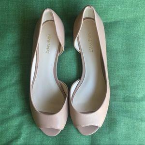 Nine West Nude peep Toe Flats Size:8M